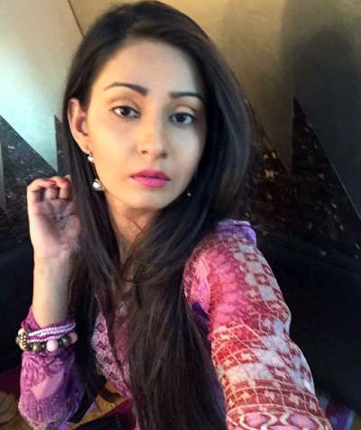 Ishani-sharma-actress-pics