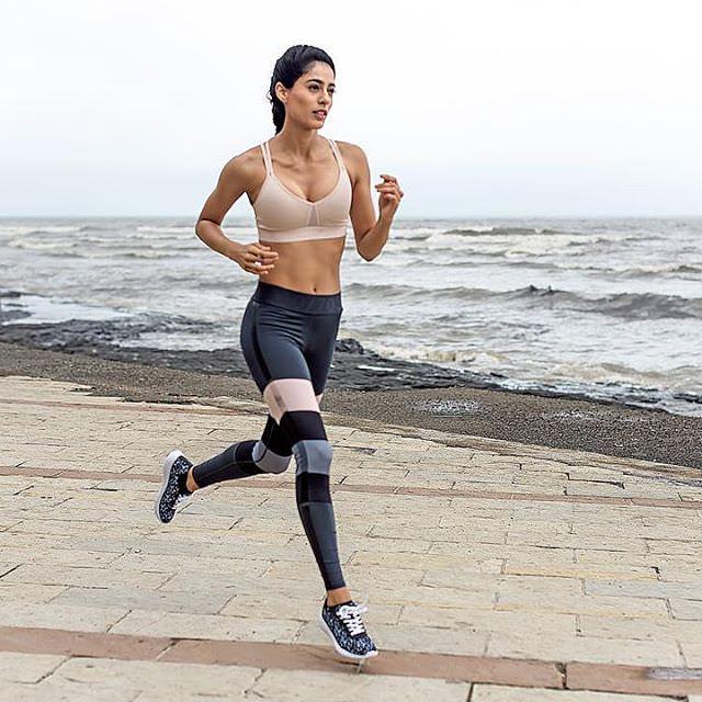 running at beach side diva dhawan.jpg