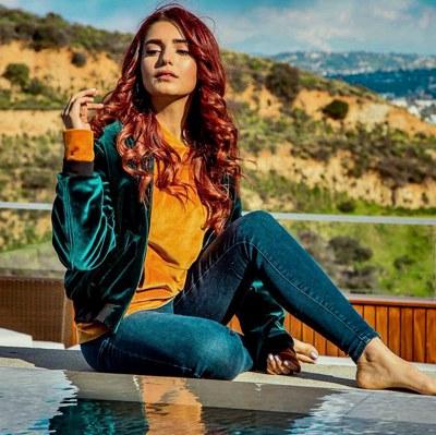 Yaariyan (Acoustic) Lyrics - Momina Mustehsan