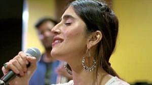 Dhoondti Firaan lyrics meaning English