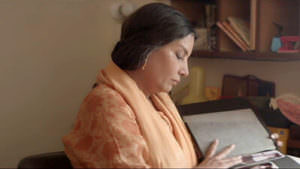 Ungli Pakad Ke Chalna Sikhaya Lyrics English Aanchal Se Mera Muh Poch Dena