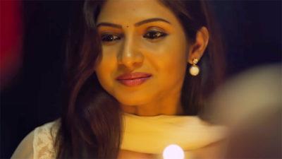 Indha Iravu Lyrics – Naatpadu Theral | R.P. Shravan