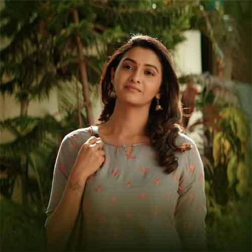 Bodhai-Kaname-Lyrics-—-Oh-Manapenne-Anirudh-Ravichander-Shashaa-Tirupati