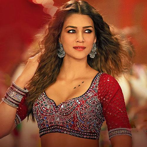Param-Sundari-song-Lyrics-Mimi-Shreya-Ghoshal