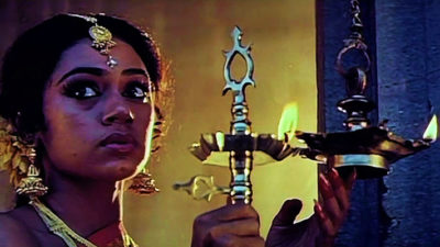 Sundari Kannal Oru Sethi Lyrics Meaning – Thalapathi   S. P. Balasubrahmanyam, S. Janaki
